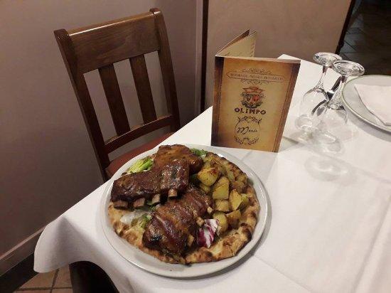 Zafferana Etnea, Italy: Costine di maiale