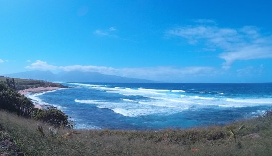 Paia, HI: Beach view from top of cliff