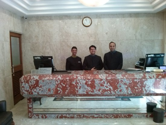 Hotel Residency Fort: Management team who made our stay so memorable