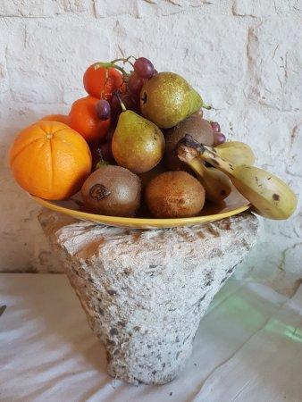 B&B La Masseriola Relais: frutta di stagione