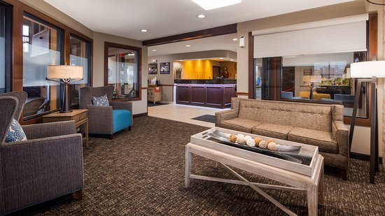 Hebron, OH: Enjoy newly renovated Lobby
