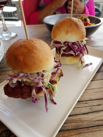 Smugglers Bar and Smokehouse: Southern Fried Chicken Sliders with citrus slaw and jalapeno mayo... So yum