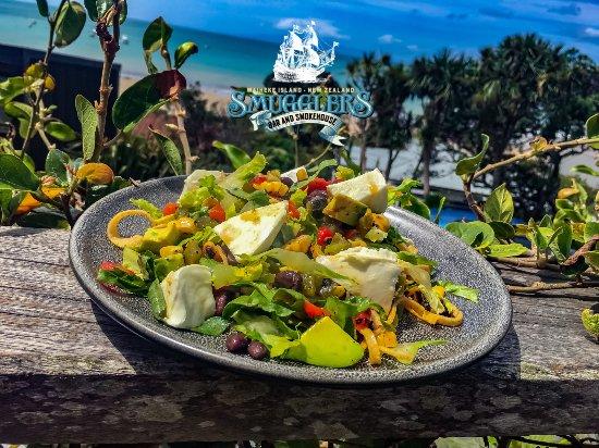 Smugglers Bar and Smokehouse: Smoked Buffalo Mozzarella Santa Fe Salad