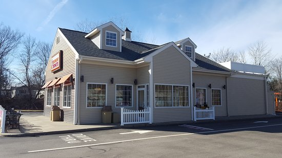 East Windsor, CT : Store Frontage