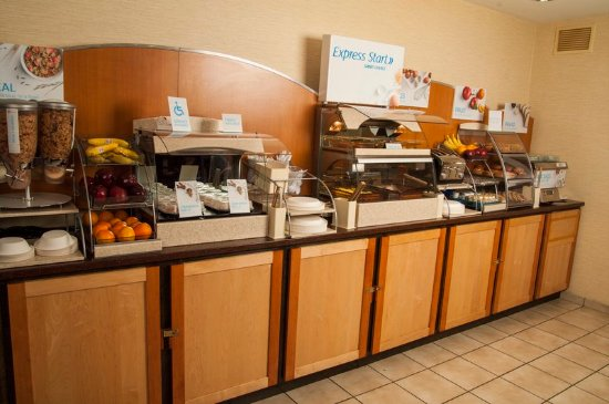Holiday Inn Express & Suites - York : Restaurant