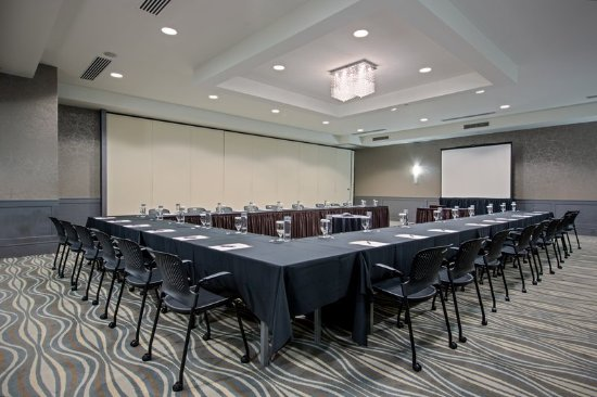 Suffern, NY: Meeting room