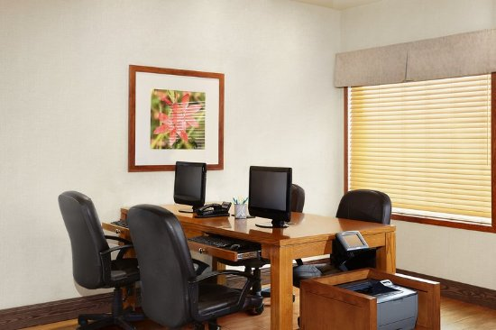 Four Points by Sheraton Saskatoon: Business center