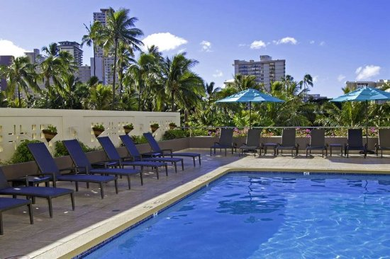 DoubleTree by Hilton Alana - Waikiki Beach: Pool