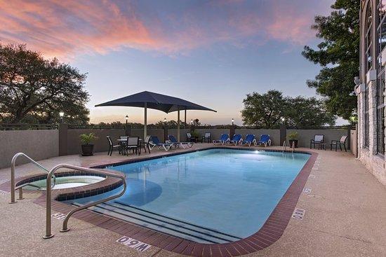 Holiday Inn Express Hotel & Suites Cedar Park (NW Austin): Pool