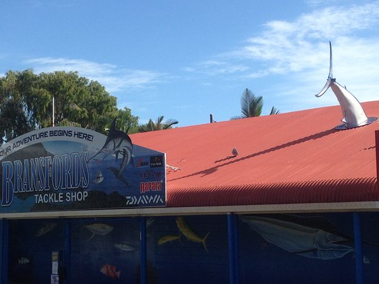 Clifton Beach, Australia: Look for the building with the fish on the roof