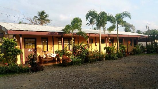 Santa Ana, Philippines: These are rooms for big groups