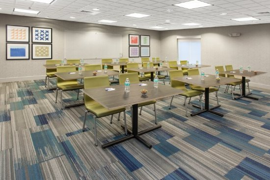 Lake Zurich, IL: Meeting room