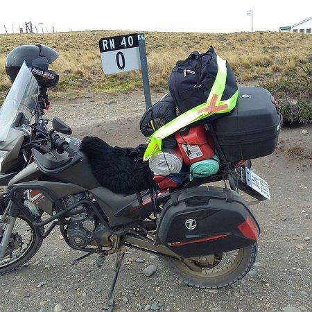 Rio Gallegos, Argentina: Mojón indicatorio del comienzo de la RN40