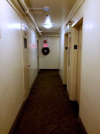 Seafarers & International House: Upper floor by elevators