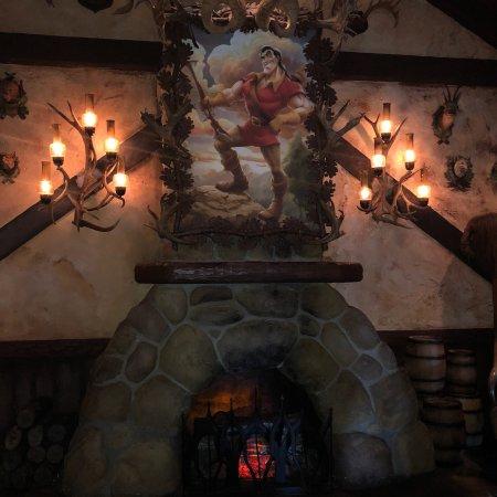 Gaston's Tavern: photo1.jpg