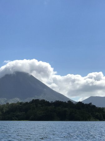 Desafio Monteverde Tours -  Day Tours: Arenal volcano as seen from Lake Arenal