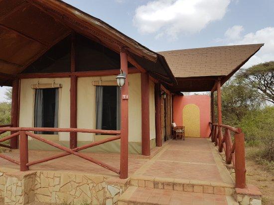Kilima Safari Camp: Lodge