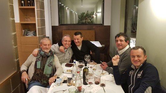 O' Scialatiello: Ottima cena tra amici di studi.