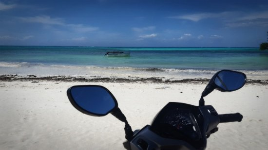 Jambiani, Tanzania: viewing the sea with your pikipiki