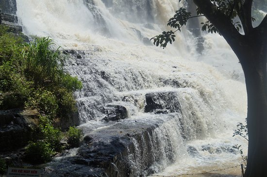 Pongour Falls: Водопад Понгур