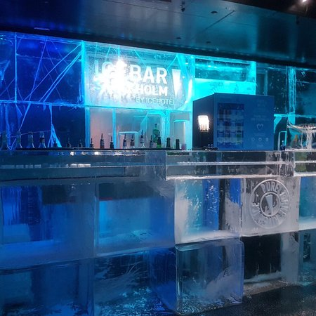 ICEBAR by ICEHOTEL Stockholm: photo1.jpg