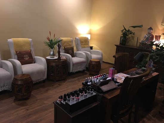Nails station - Picture of Natural Palm Day Spa, Cairns - TripAdvisor