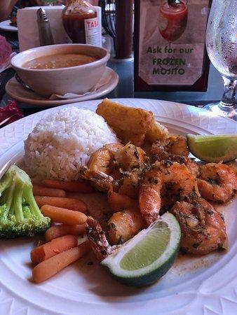 Barrachina Restaurant: Delicious grilled shrimp.