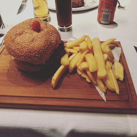 The Hussar Grill Camps Bay: photo0.jpg