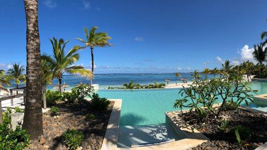 Long Beach Mauritius Infiniti Pool