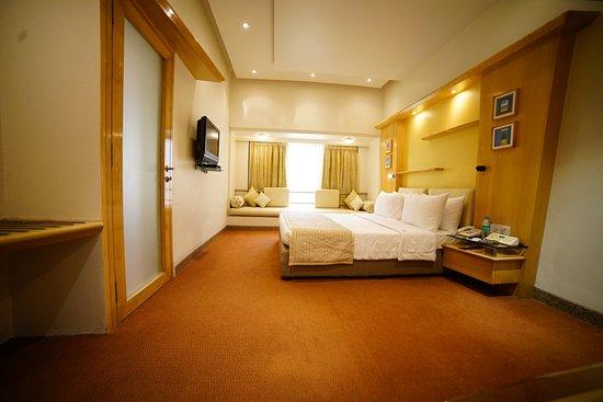 Interior - Picture of Hotel Kohinoor Continental, Mumbai - Tripadvisor