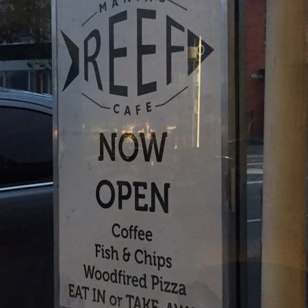 Maning Reef Cafe: photo0.jpg