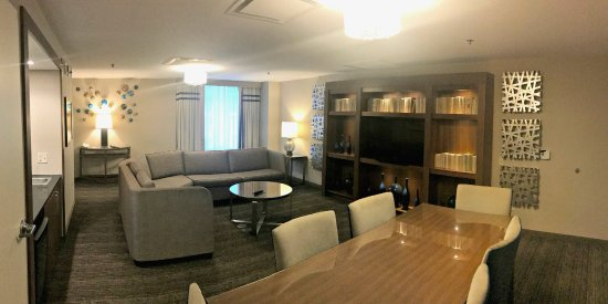 Embassy Suites by Hilton Chicago Downtown Magnificent Mile: Presidential Suite