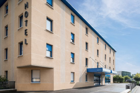 Bobigny, França: ENTREE PRINCIPALE DE L'HÔTEL