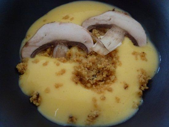 Meyras, France: Omelette revisitée en subtile mousse