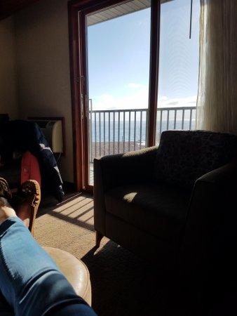 Best Western Plus Superior Inn: Sun filled room