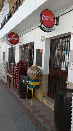 Algar, Spanyol: Entrada del local.