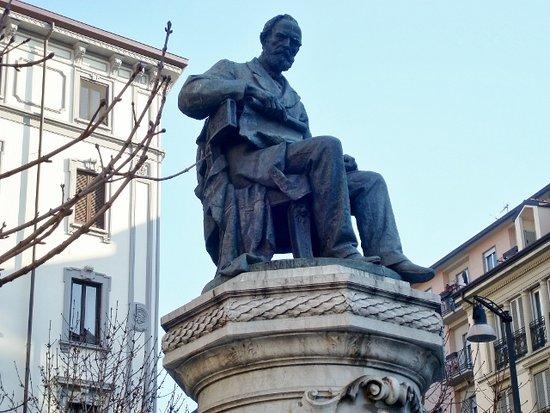 Monumento a G.B. Piatti