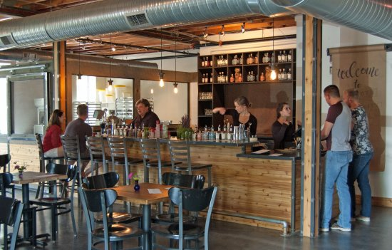 Traverse City, MI: Cocktail Lounge and Tasting Room