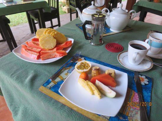 Shangri-Lanka Villa: good breakfast with lot of fresh fruits