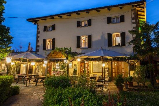 Novafeltria, Italy: La casa di sera