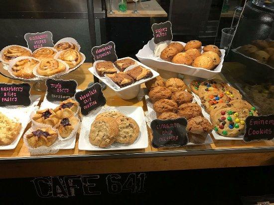 Hudson, MA: Bakery Case