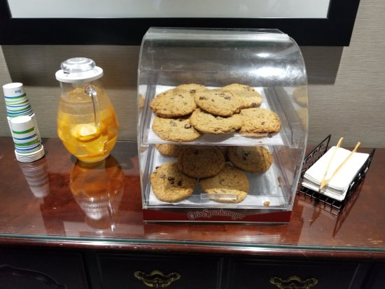 Chelmsford, MA: This was such a nice perk!! Who doesn't love warm cookies in the evening!