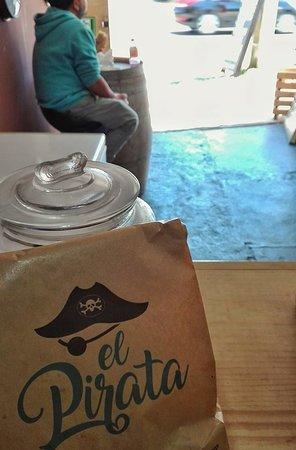 Quintero, Chile: El Pirata para Llevar.-