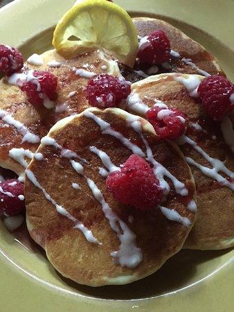 Νιούαρκ, Νέα Υόρκη: Raspberry Lemonade Pancakes