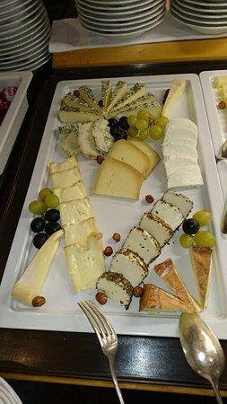 Hotel Waldhaus Am See: wonderful cheese selection