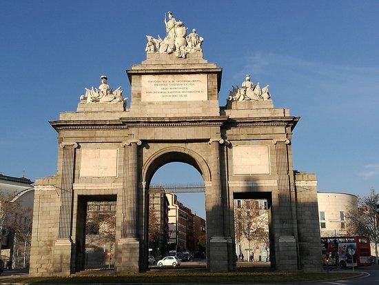 Puerta de toledo madrid all you need to know before for Shoko puerta de toledo