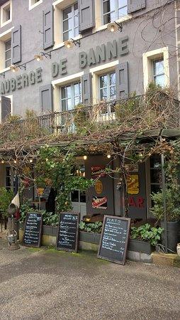 Banne, Frankrike: extérieur