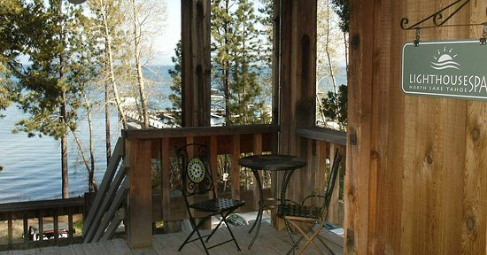 Tahoe City, CA: Lighthouse Spa Entrance