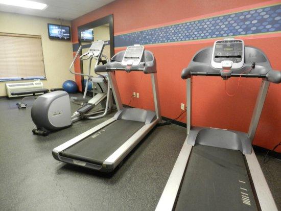 Tulare, CA: Gym