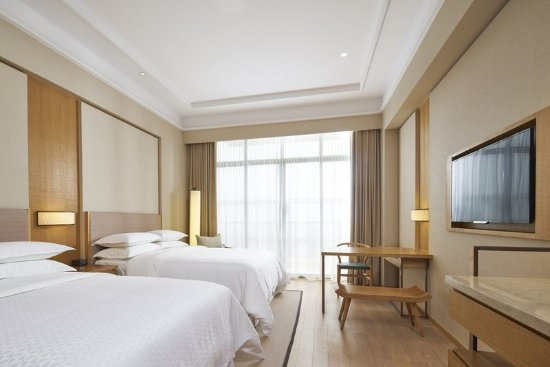 Pujiang County, China: Guest room